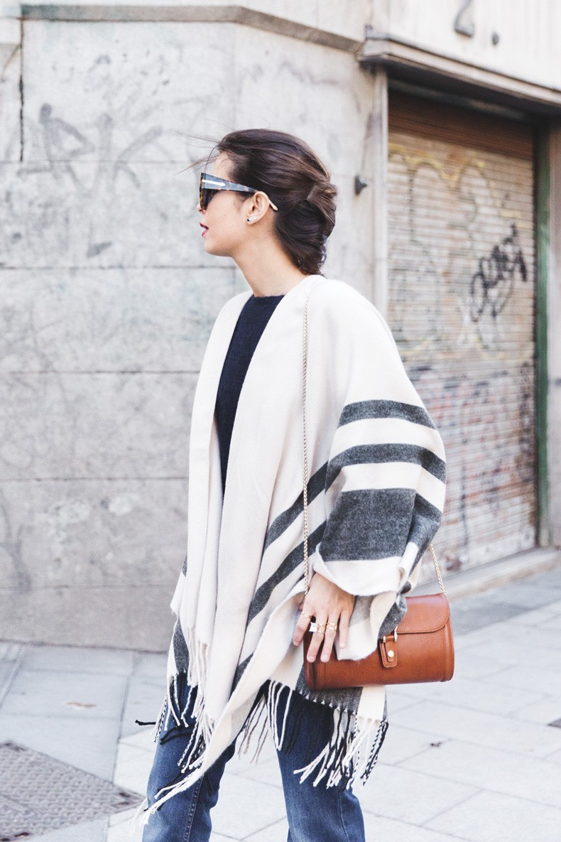 Stripe_Cape_Asos-Flare_Jeans-Outfit-Street_Style-1