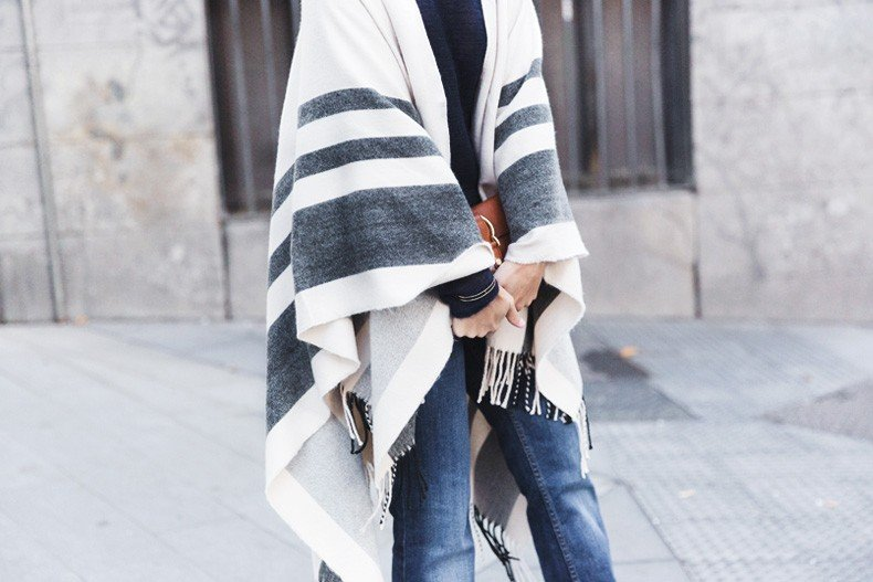 Stripe_Cape_Asos-Flare_Jeans-Outfit-Street_Style-110