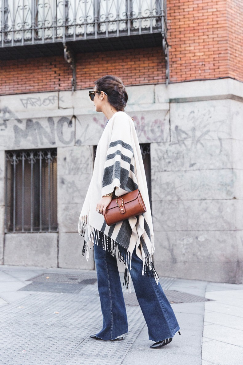 Stripe_Cape_Asos-Flare_Jeans-Outfit-Street_Style-21