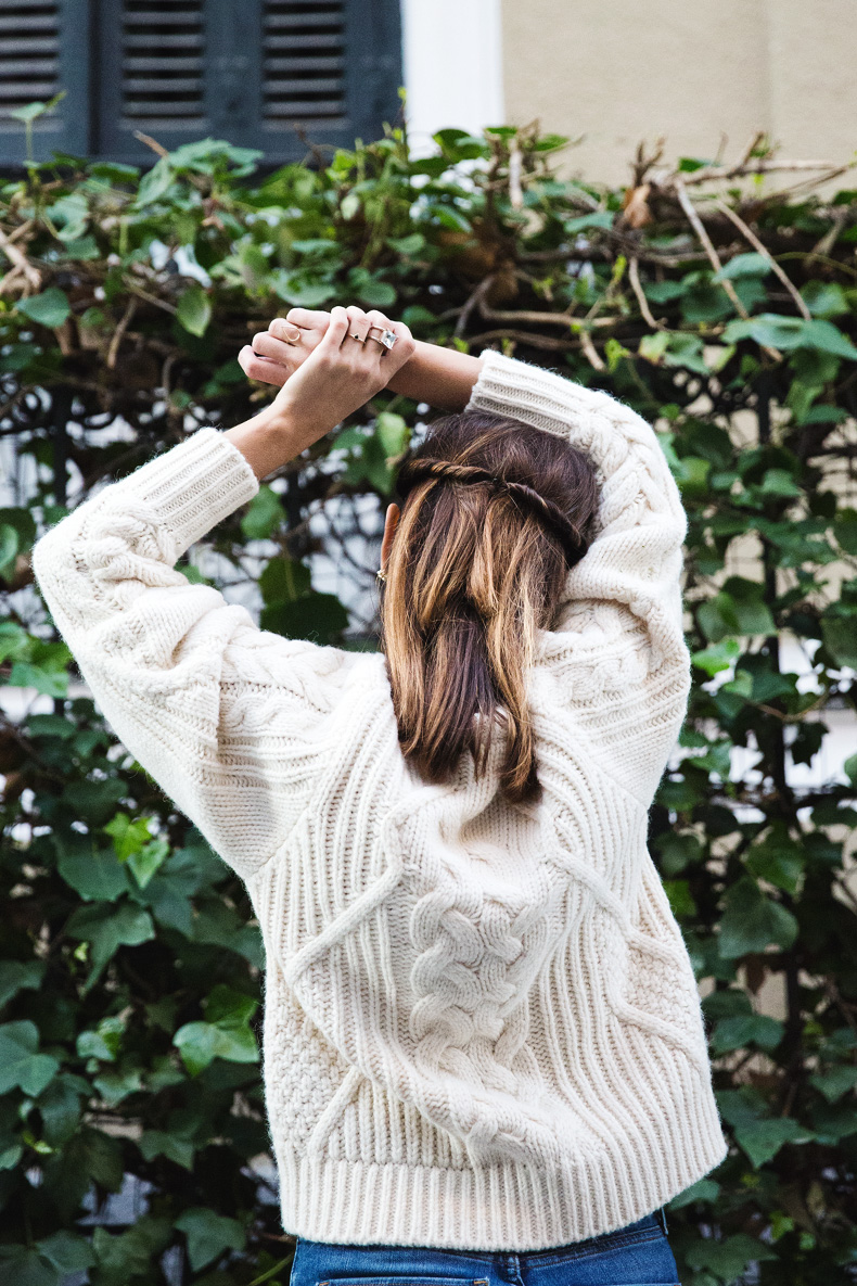 White_Coat-Knitted_Jumper-Maje-Ripped_Jeans-Outfit-Street_Style-33