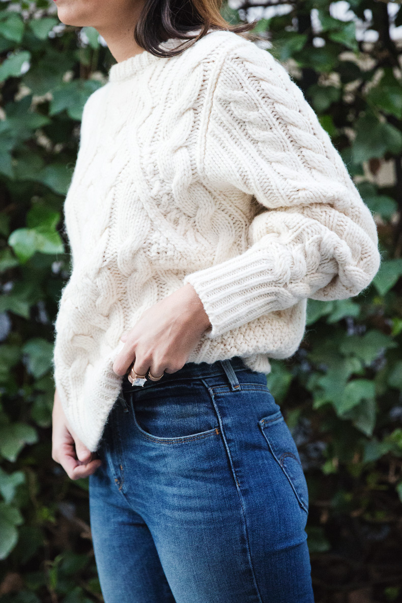 White_Coat-Knitted_Jumper-Maje-Ripped_Jeans-Outfit-Street_Style-38