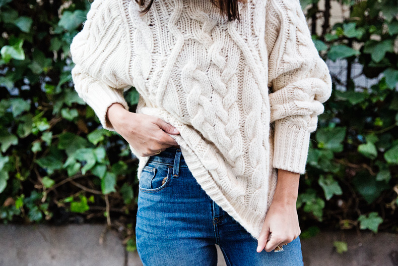 White_Coat-Knitted_Jumper-Maje-Ripped_Jeans-Outfit-Street_Style-53