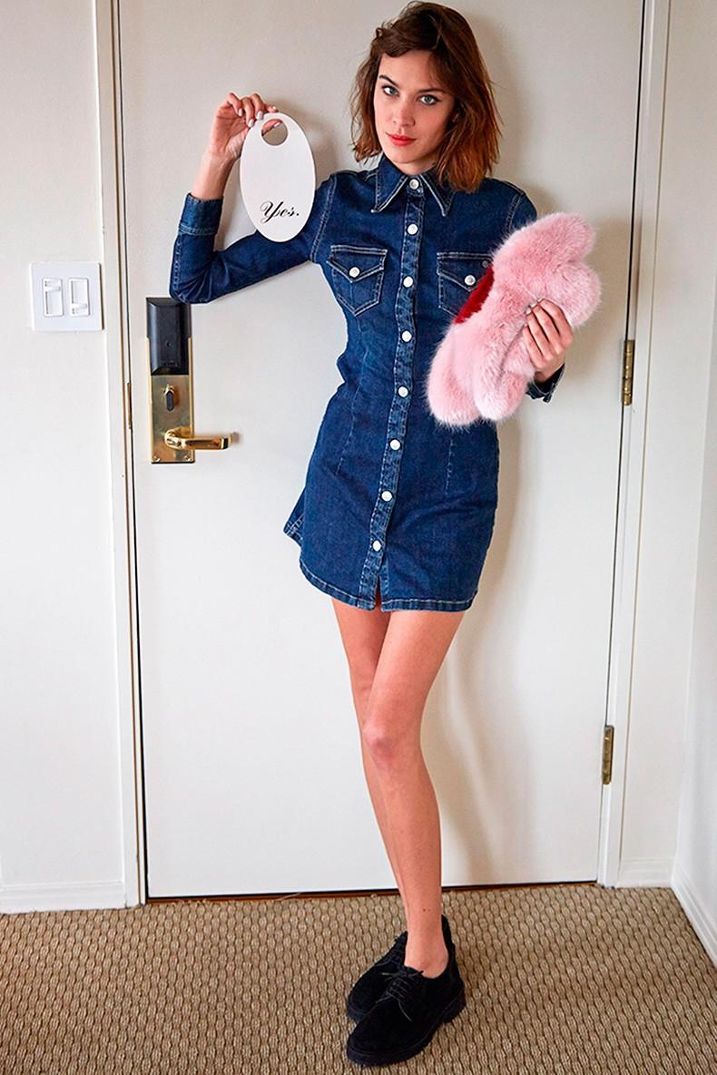 b878b96d39 ... Alexa Chung-AG Jeans-Collection-Editorial-Inspiration-Blue Denim-5 ...