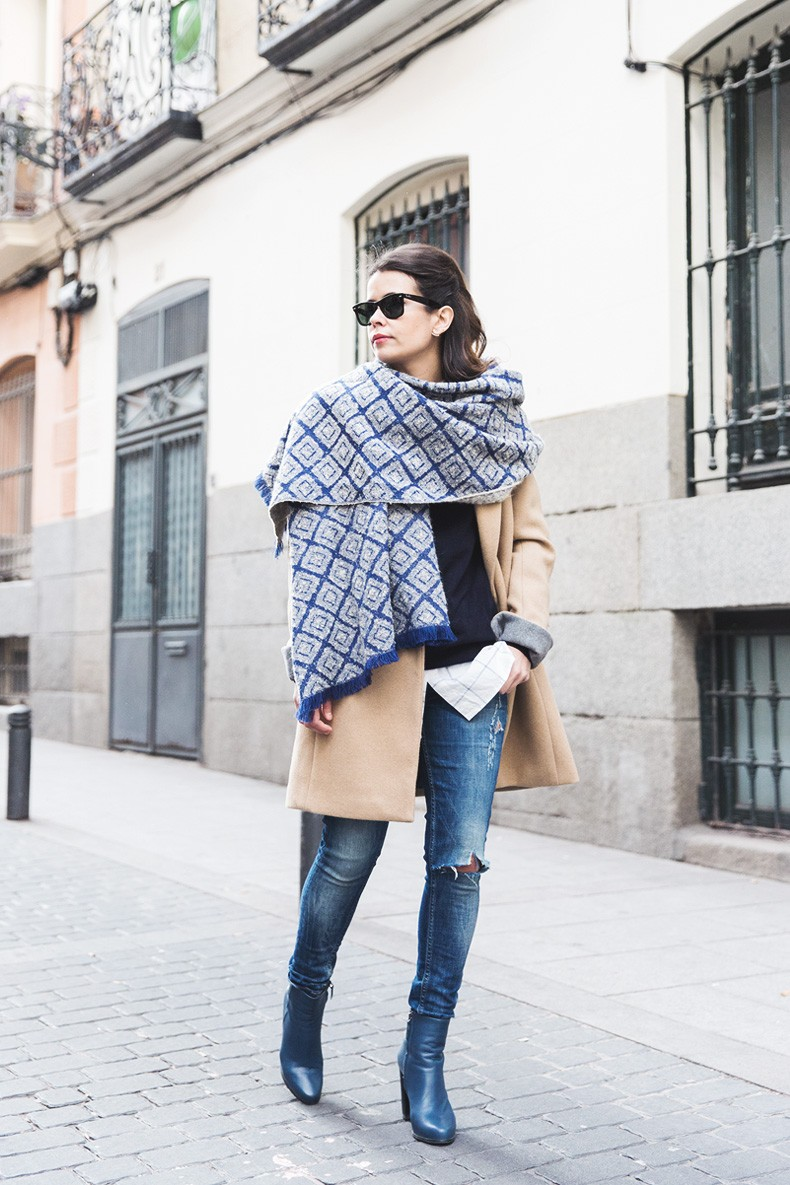Camel_Coat-Blue_Sweater_Plaid_Shirt-Maxi_Scarf-Outfit-Blue_Boots-Outfit-Street_Style-Collage_Vintage-15