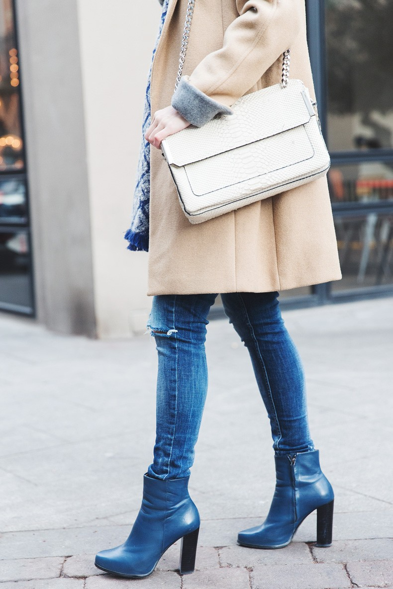 Camel_Coat-Blue_Sweater_Plaid_Shirt-Maxi_Scarf-Outfit-Blue_Boots-Outfit-Street_Style-Collage_Vintage-36