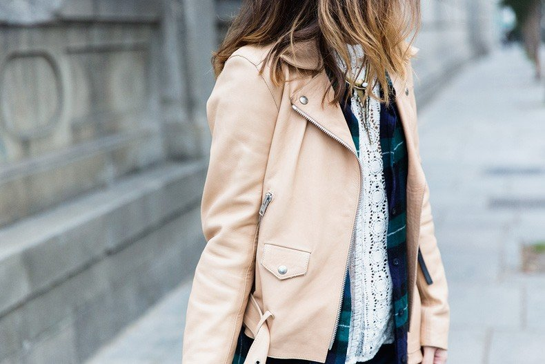 Flared_Jeans-Outfit-Checked_Skirt-Street_Style-Leather_Biker_Jacket-Sandro_Paris-Lace_Top-Collage_Vintage-90