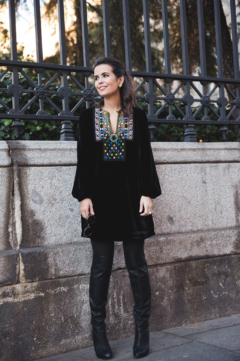 Fur_Coat-Velvet_Dress-Over_The_Knee_Boots-Boho_Dress-Outfit-Collage_VIntage-Street_Style-16