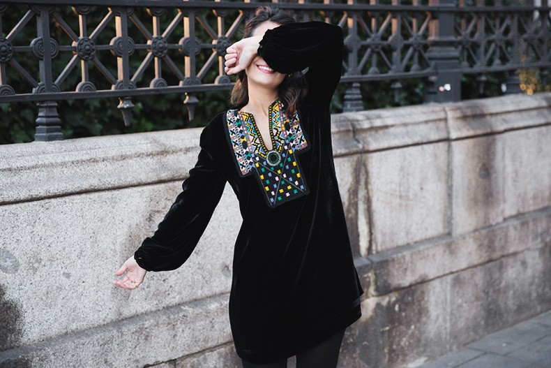 Fur_Coat-Velvet_Dress-Over_The_Knee_Boots-Boho_Dress-Outfit-Collage_VIntage-Street_Style-50
