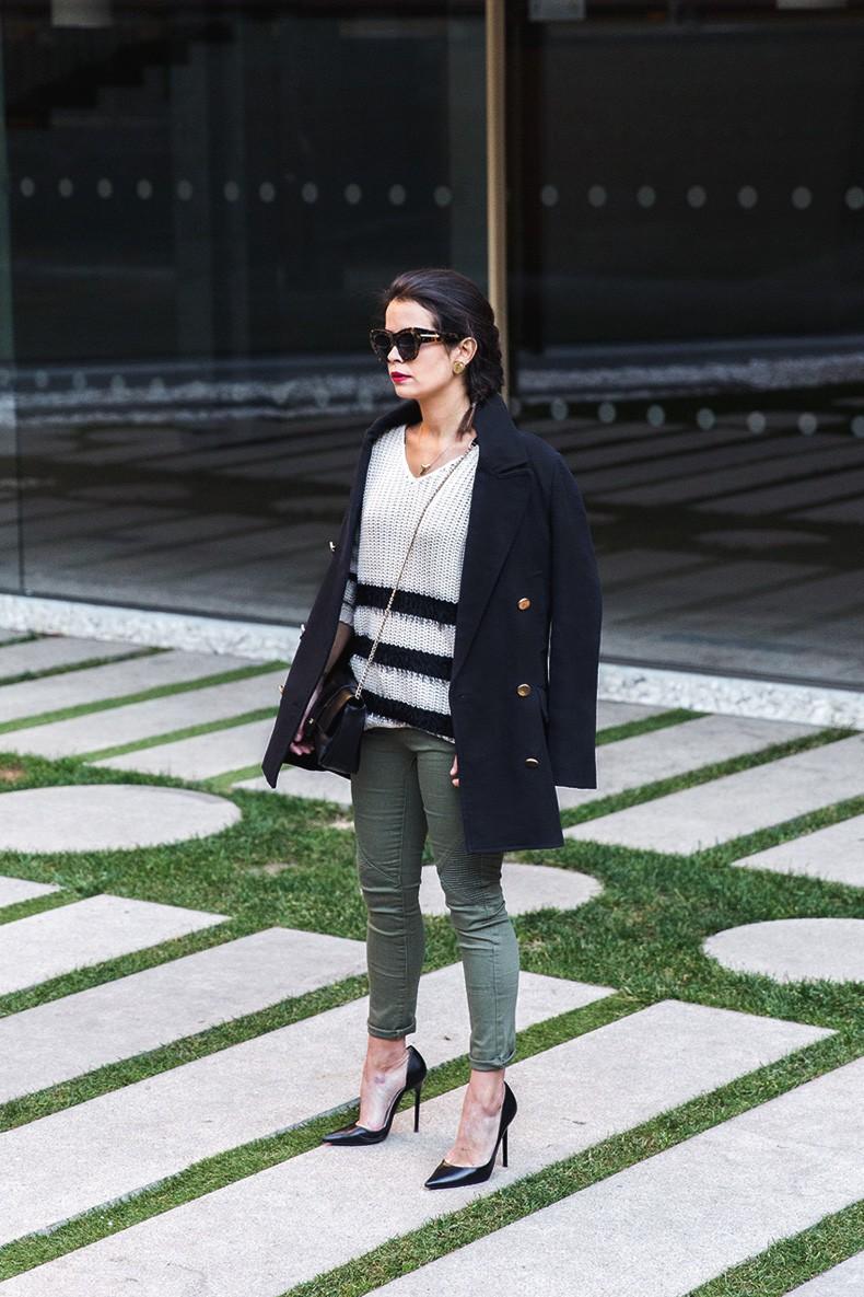 Jennyfer-Khaki_Jeans-Striped_Dress-Blue_Coat-Purificacion_Garcia_Bag-Outfit-Street_Style-11