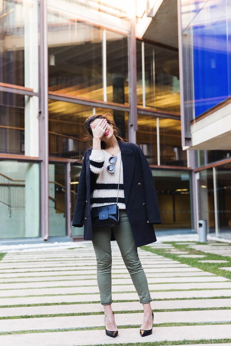 Jennyfer-Khaki_Jeans-Striped_Dress-Blue_Coat-Purificacion_Garcia_Bag-Outfit-Street_Style-