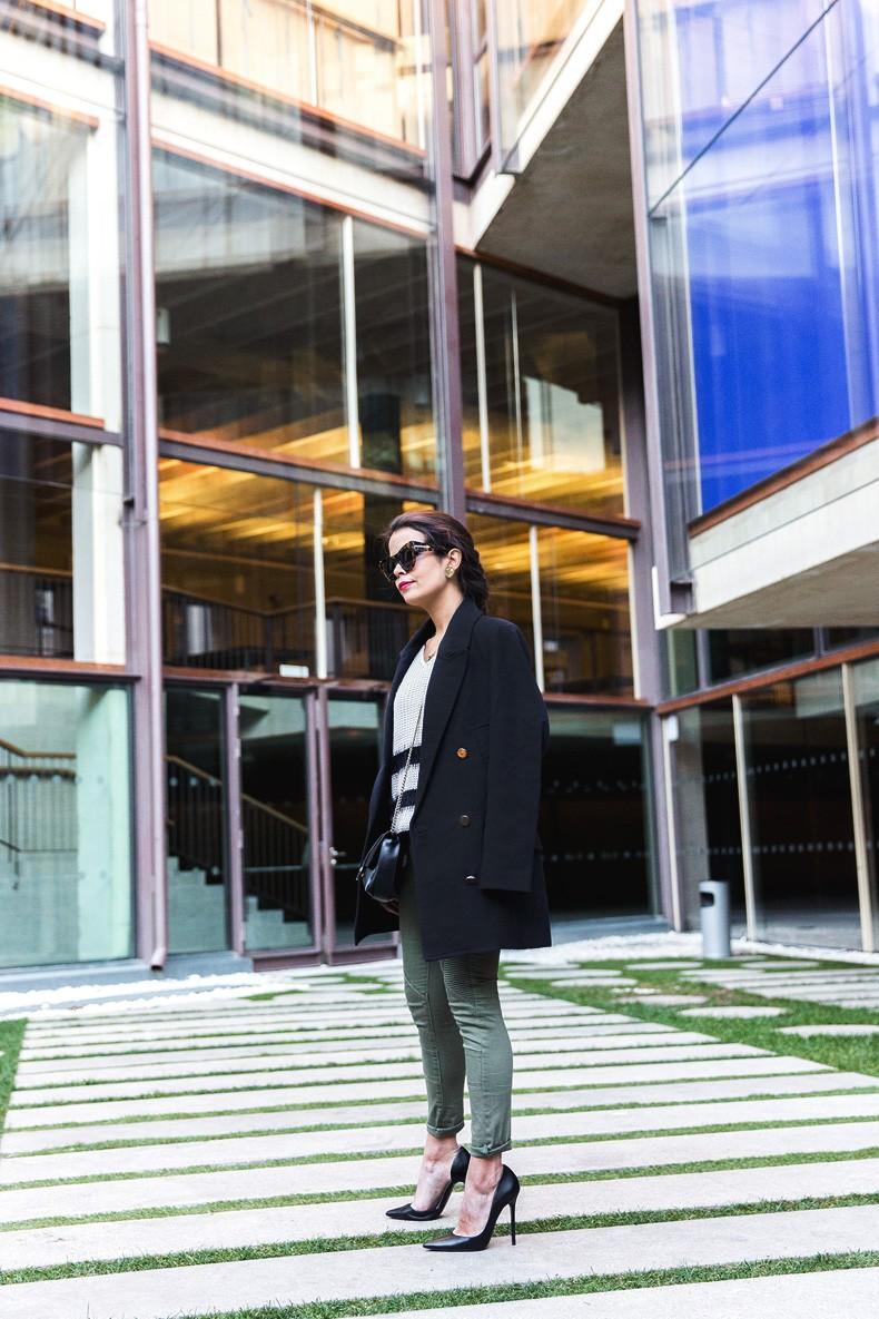 Jennyfer-Khaki_Jeans-Striped_Dress-Blue_Coat-Purificacion_Garcia_Bag-Outfit-Street_Style-25