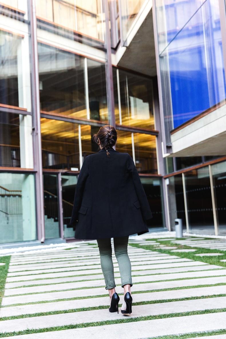 Jennyfer-Khaki_Jeans-Striped_Dress-Blue_Coat-Purificacion_Garcia_Bag-Outfit-Street_Style-28
