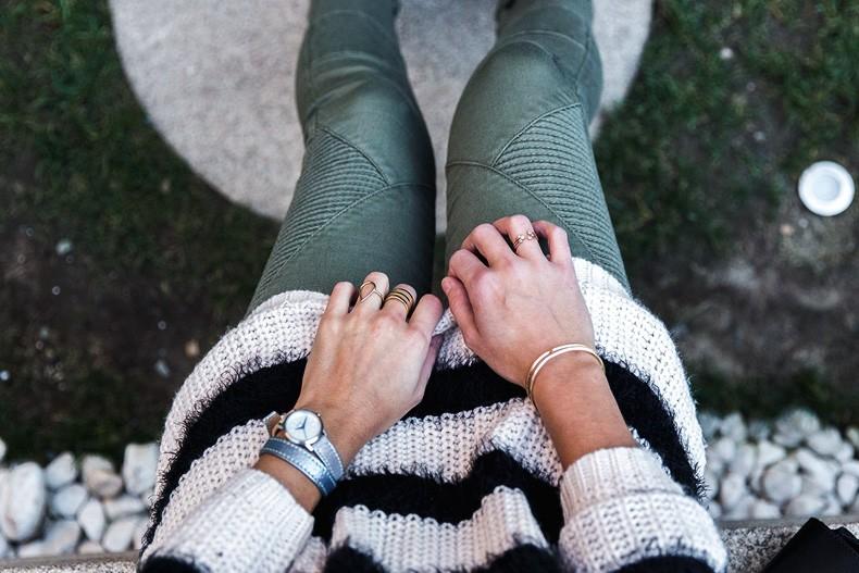 Jennyfer-Khaki_Jeans-Striped_Dress-Blue_Coat-Purificacion_Garcia_Bag-Outfit-Street_Style-42