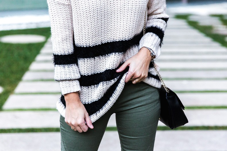 Jennyfer-Khaki_Jeans-Striped_Dress-Blue_Coat-Purificacion_Garcia_Bag-Outfit-Street_Style-44