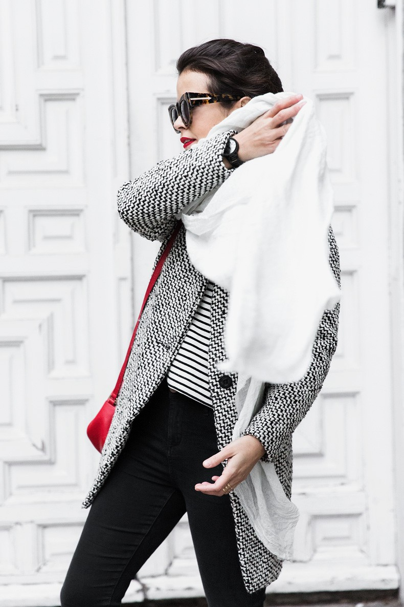 Mixing_Prints-Striped_Top-Red_Bag-Gucci_Disco_Bag-Outfit-Street_Style-Collage_Vintage-10