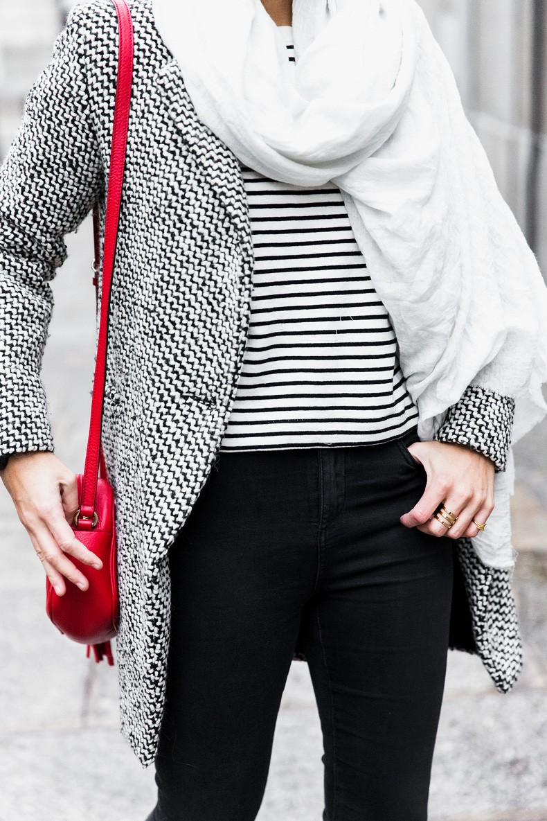 Mixing_Prints-Striped_Top-Red_Bag-Gucci_Disco_Bag-Outfit-Street_Style-Collage_Vintage-37