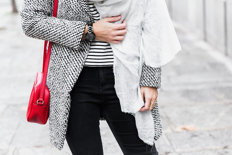 Mixing_Prints-Striped_Top-Red_Bag-Gucci_Disco_Bag-Outfit-Street_Style-Collage_Vintage-46