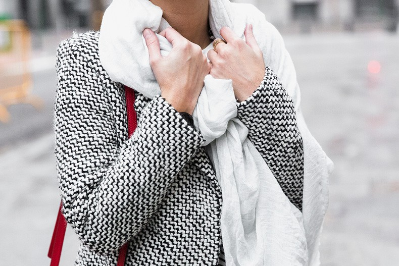 Mixing_Prints-Striped_Top-Red_Bag-Gucci_Disco_Bag-Outfit-Street_Style-Collage_Vintage-49