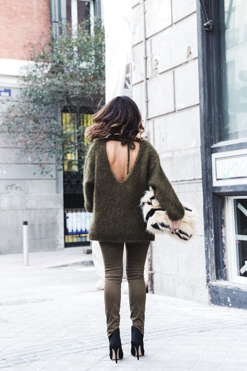 Open_back_Sweater-Khaki-Outfit-Street_Style-Collage_Vintage-Fur_Clutch-29