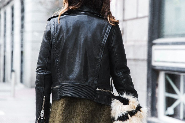 Open_back_Sweater-Khaki-Outfit-Street_Style-Collage_Vintage-Fur_Clutch-78