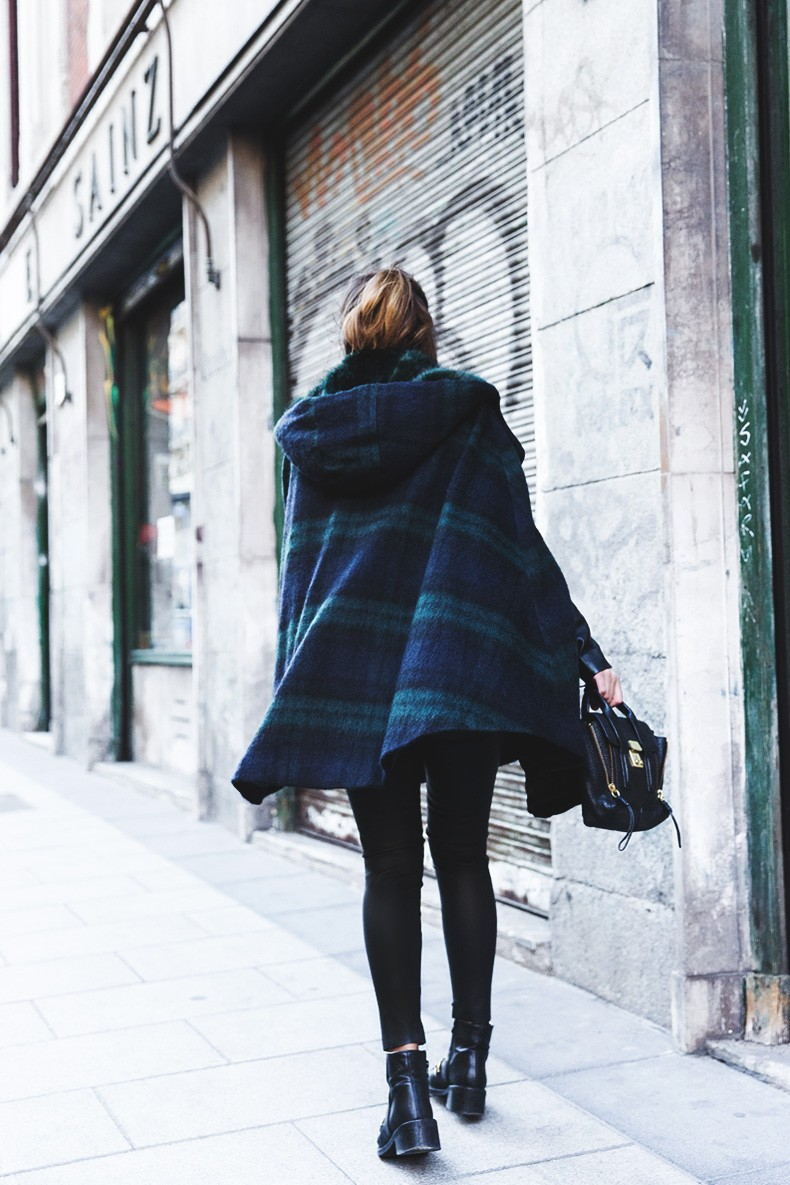 Plaid_Cape-Leather_Jacket-Sandro-Wonder_Sweatshirt-Chained_Boots-Outfit-Collage_Vintage-16