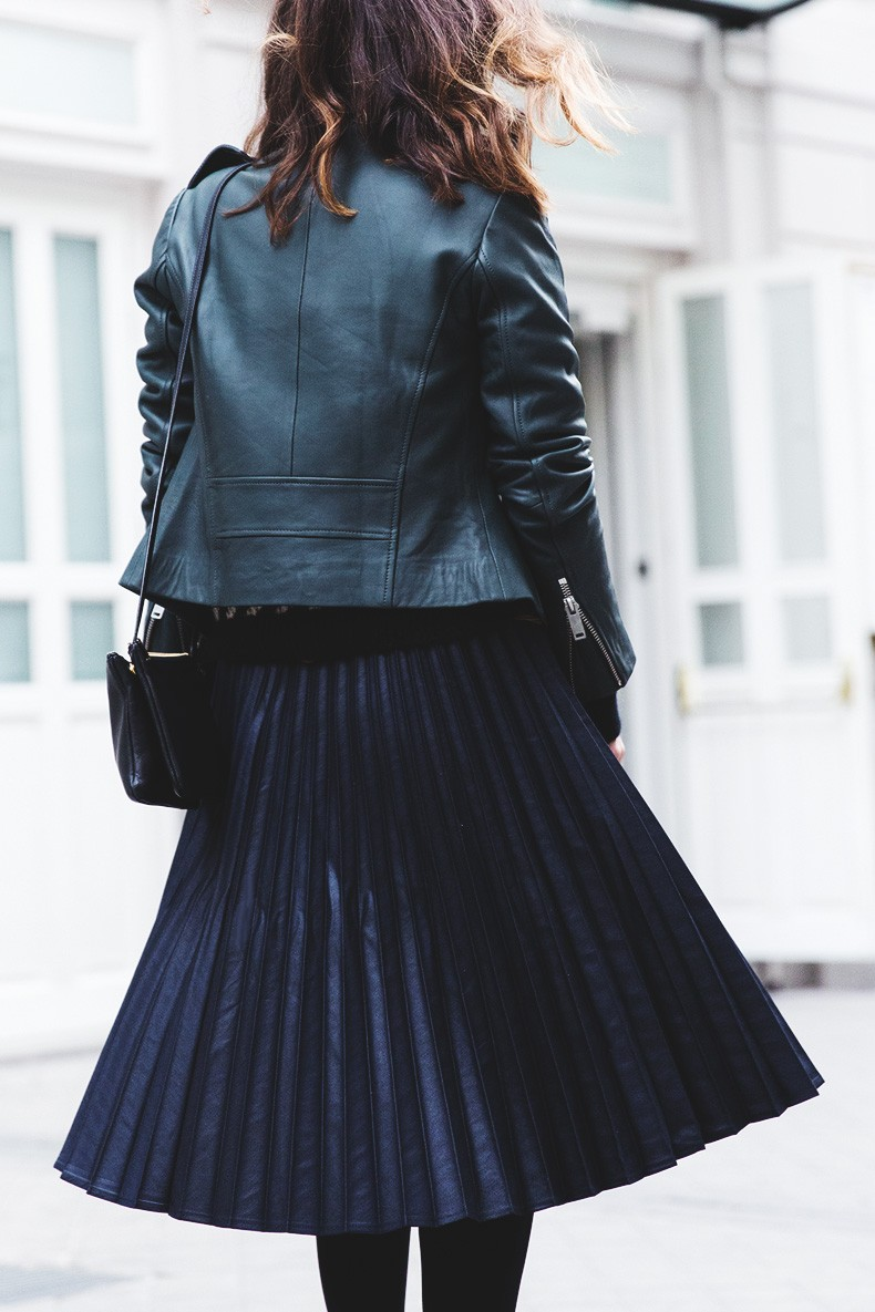 Pleated_Skirt-Striped_Sweater-APC_Paris-Green_Biker_Jacket-Reiss_Fashion-Outfit-Street_Style-11