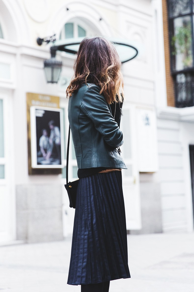 Pleated_Skirt-Striped_Sweater-APC_Paris-Green_Biker_Jacket-Reiss_Fashion-Outfit-Street_Style-12