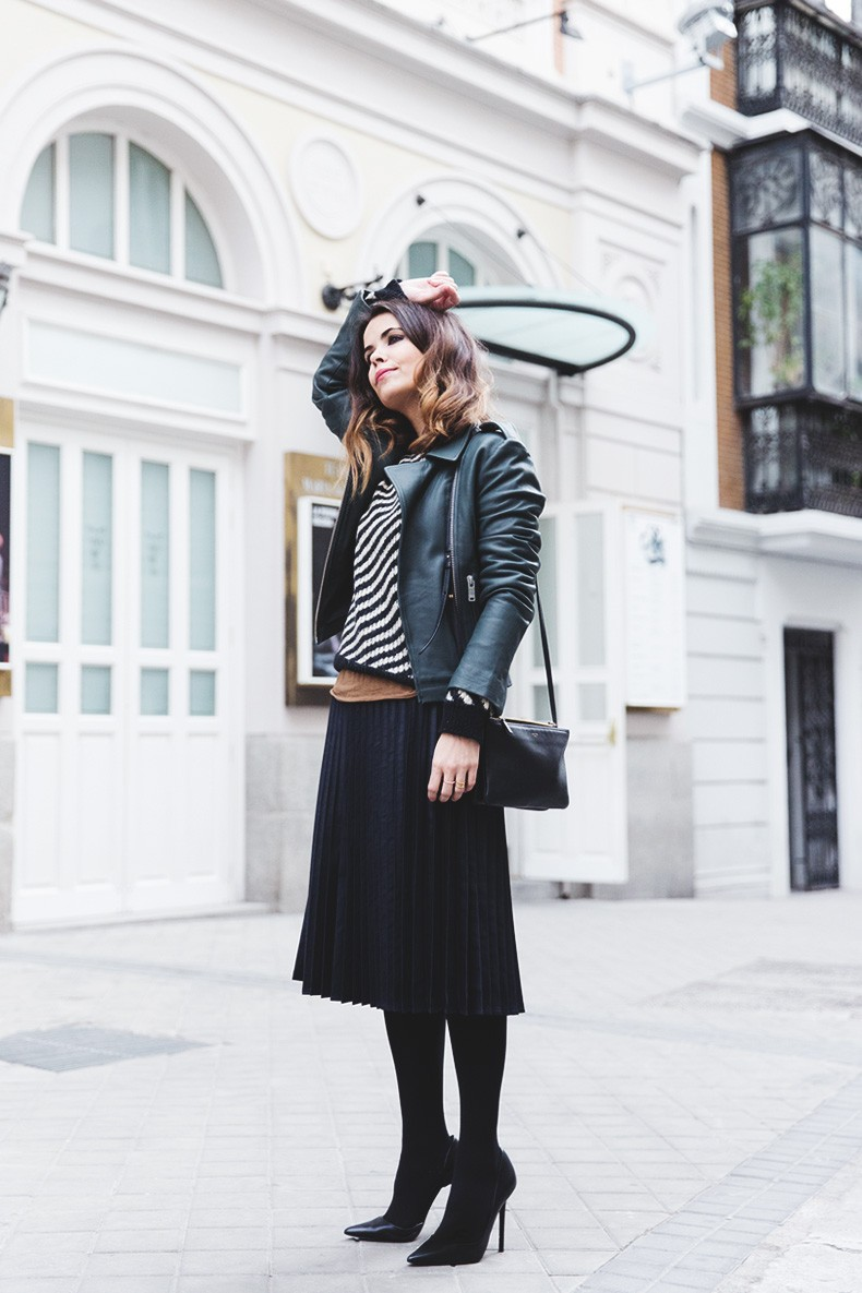 Pleated_Skirt-Striped_Sweater-APC_Paris-Green_Biker_Jacket-Reiss_Fashion-Outfit-Street_Style-3