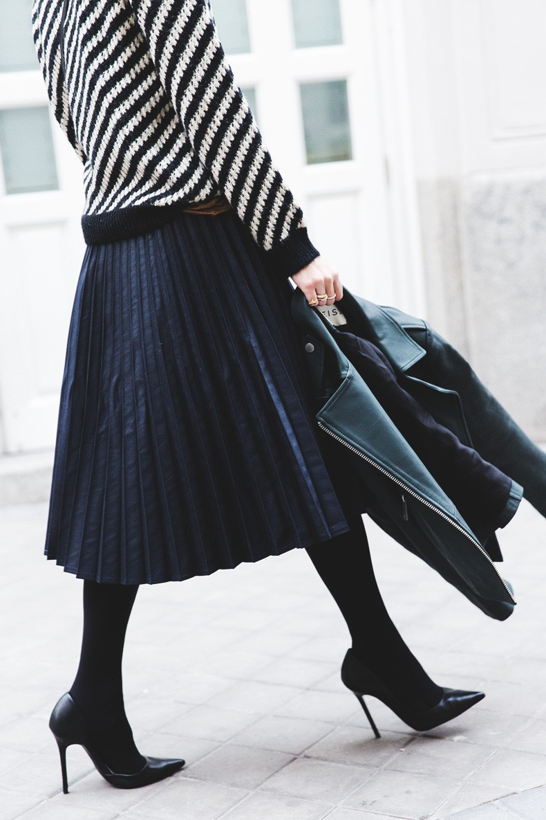 Pleated_Skirt-Striped_Sweater-APC_Paris-Green_Biker_Jacket-Reiss_Fashion-Outfit-Street_Style-31