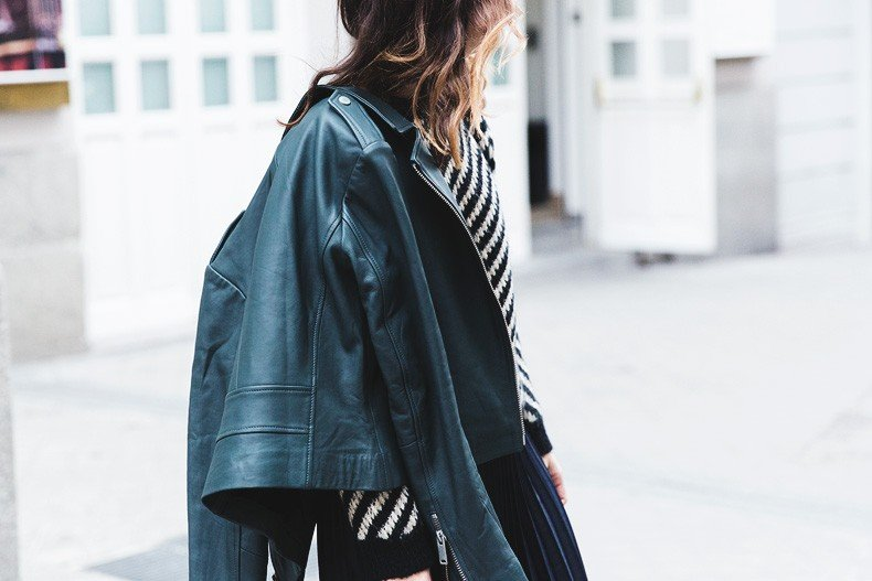 Pleated_Skirt-Striped_Sweater-APC_Paris-Green_Biker_Jacket-Reiss_Fashion-Outfit-Street_Style-46