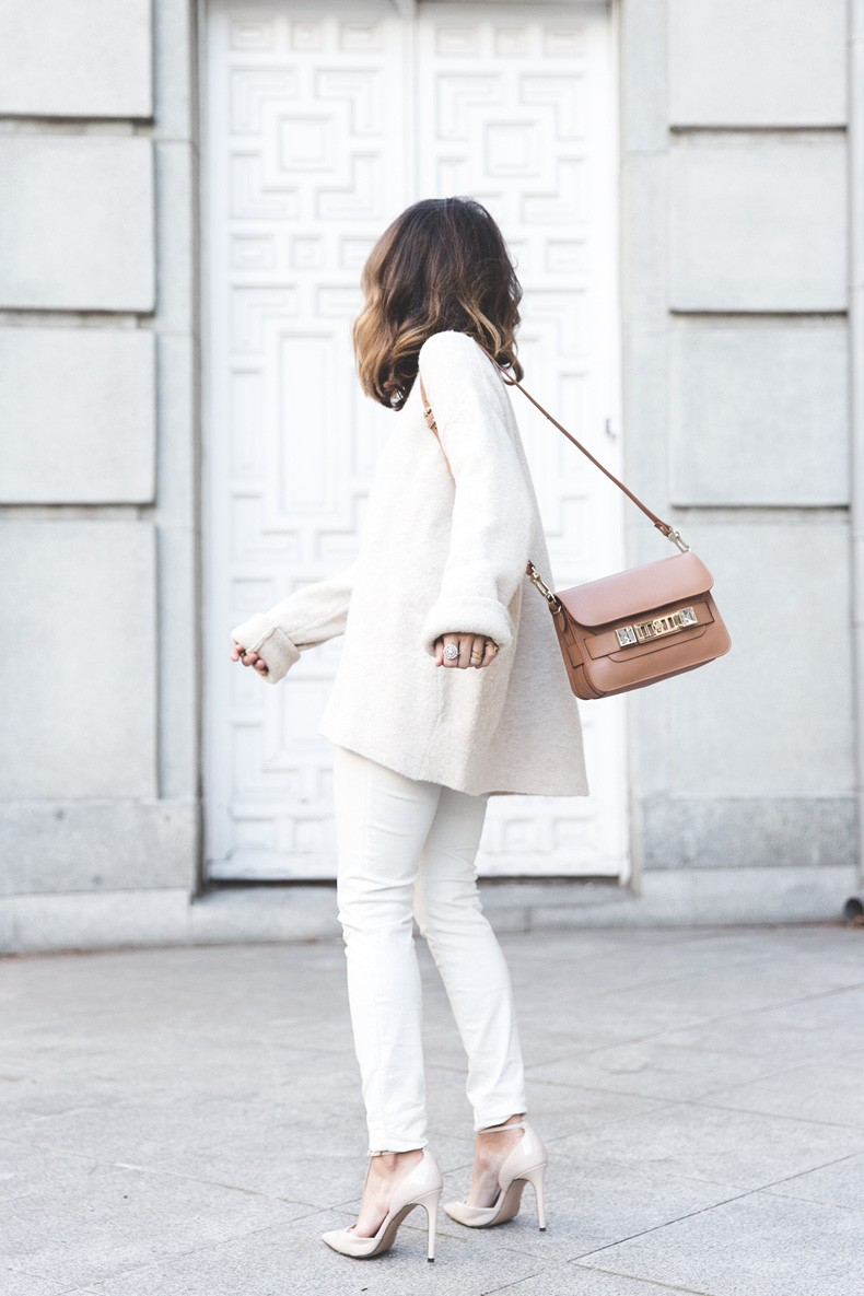 Proenza_Schouler_Bag-Cream_Outfit-Denim_Jacket-Street_Style-Collage_Vintage-43