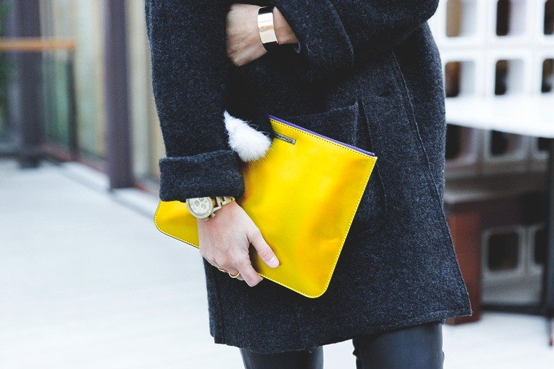Rebecca_Minkoff_Yellow_Clutch-La_Superbe_Sweatshirt-Madewell-Sezane-Leather_Pants-Outfit-Street_Style-Collage_Vintage-74