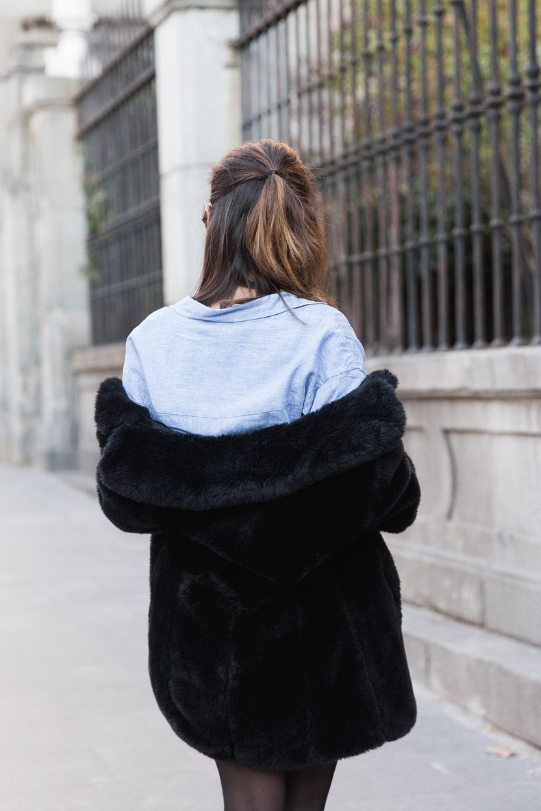 Striped_Skirt-Blue_Shirt-Faux_Fur_Coat-Outfit-Street_Style-Collage_Vintage-14