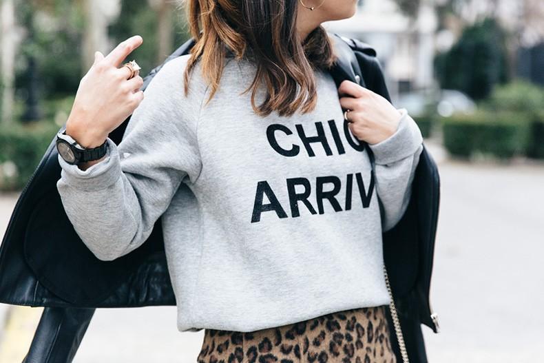 SweatShirt-Blanco_Suite-Leopard_Skirt-Topshop-Balenciaga_Cut_Out_Boots-Biker_Jacket_Maje-Street_Style-66