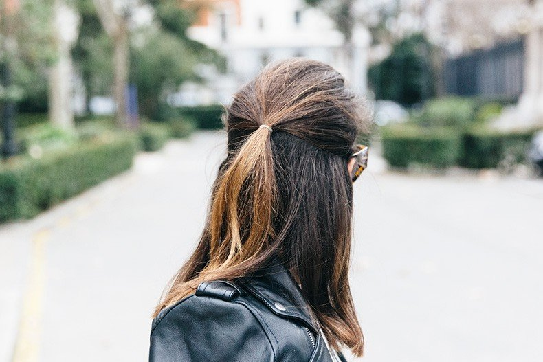 SweatShirt-Blanco_Suite-Leopard_Skirt-Topshop-Balenciaga_Cut_Out_Boots-Biker_Jacket_Maje-Street_Style-67