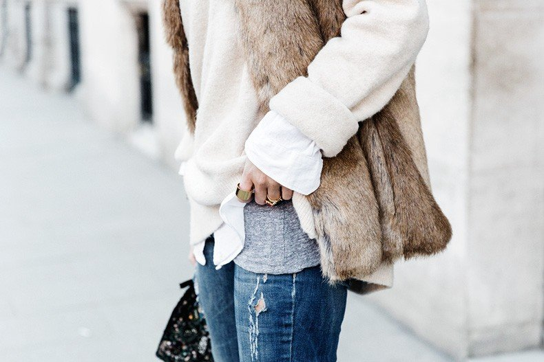 Tous_Jewelry-Faux_Fur_Vest-Ripped_Jeans-Beaded_Clutch-Outfit-Street_Style-77