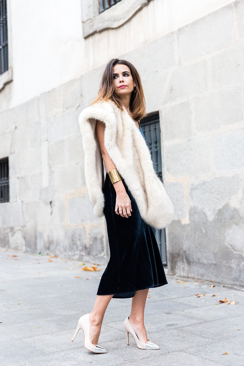 Velvet_Dress-Faux_Fur_Scarf-Party_Outfit-Street_Style-Collage_Vintage-29