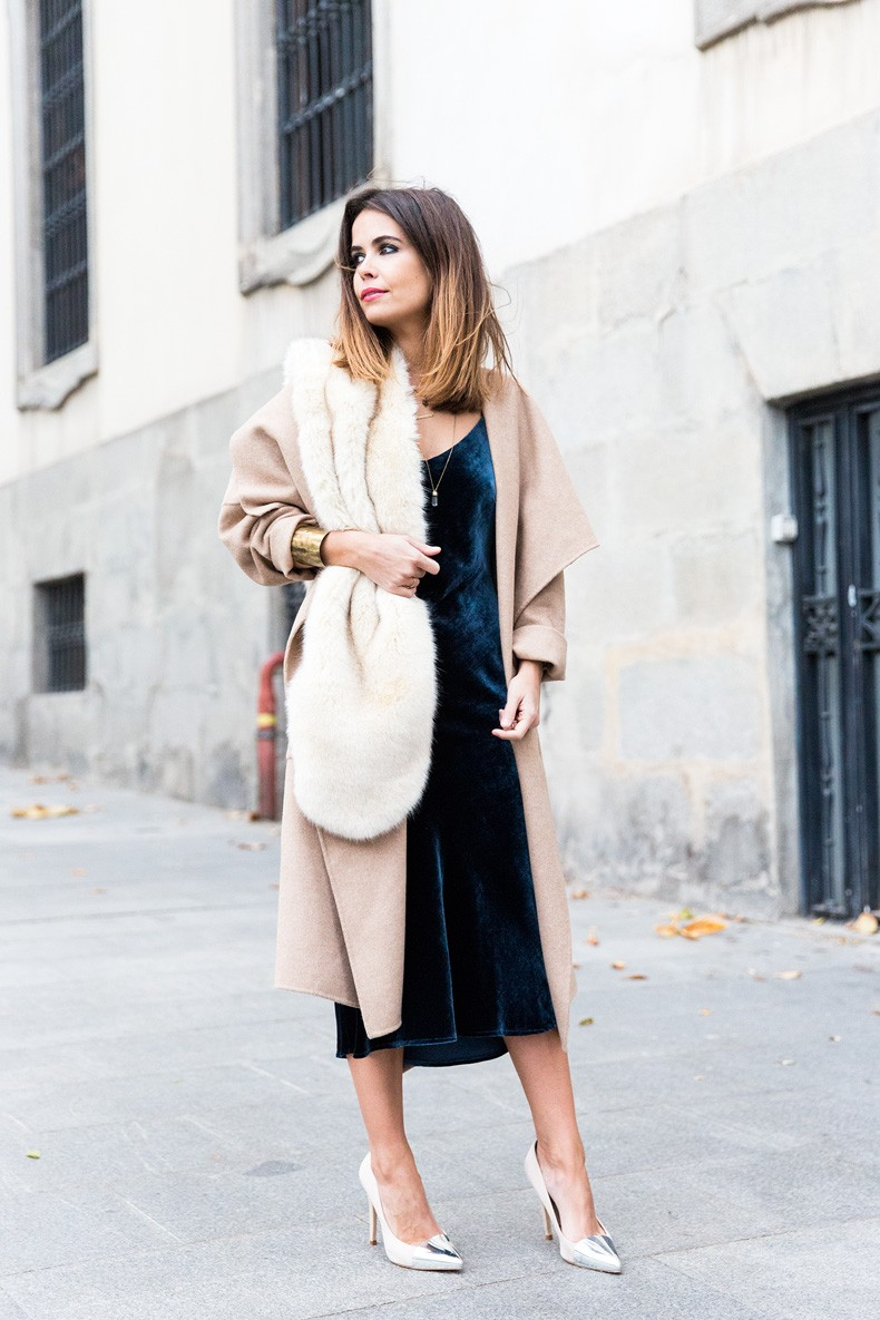 Velvet_Dress-Faux_Fur_Scarf-Party_Outfit-Street_Style-Collage_Vintage-4