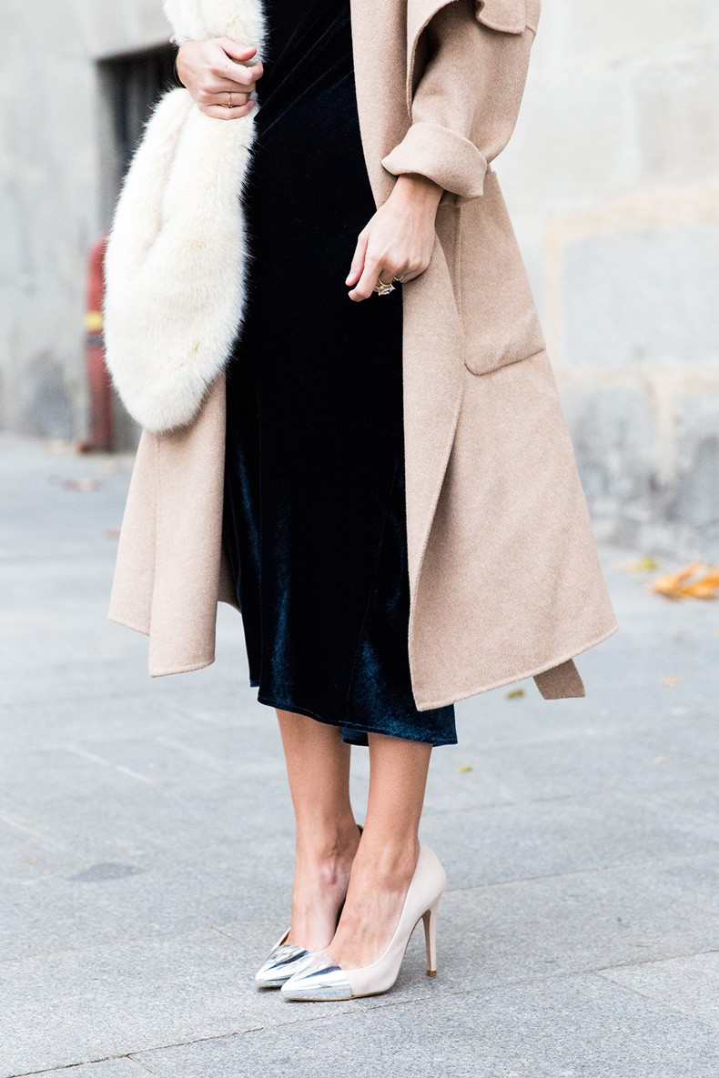 Velvet_Dress-Faux_Fur_Scarf-Party_Outfit-Street_Style-Collage_Vintage-6