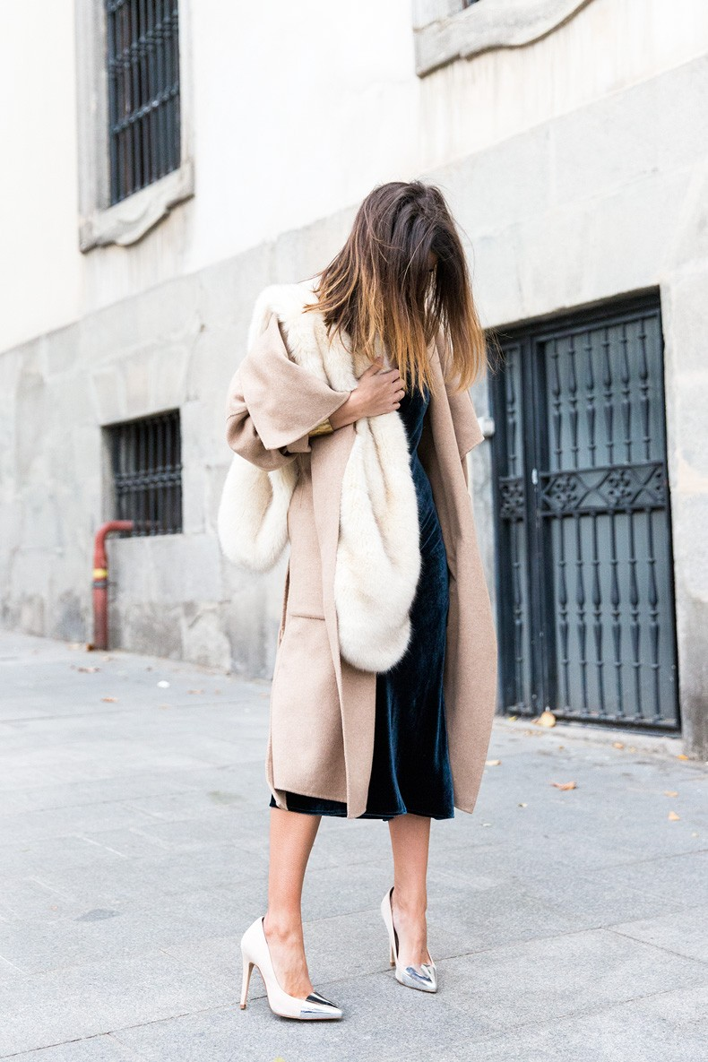 Velvet_Dress-Faux_Fur_Scarf-Party_Outfit-Street_Style-Collage_Vintage-7