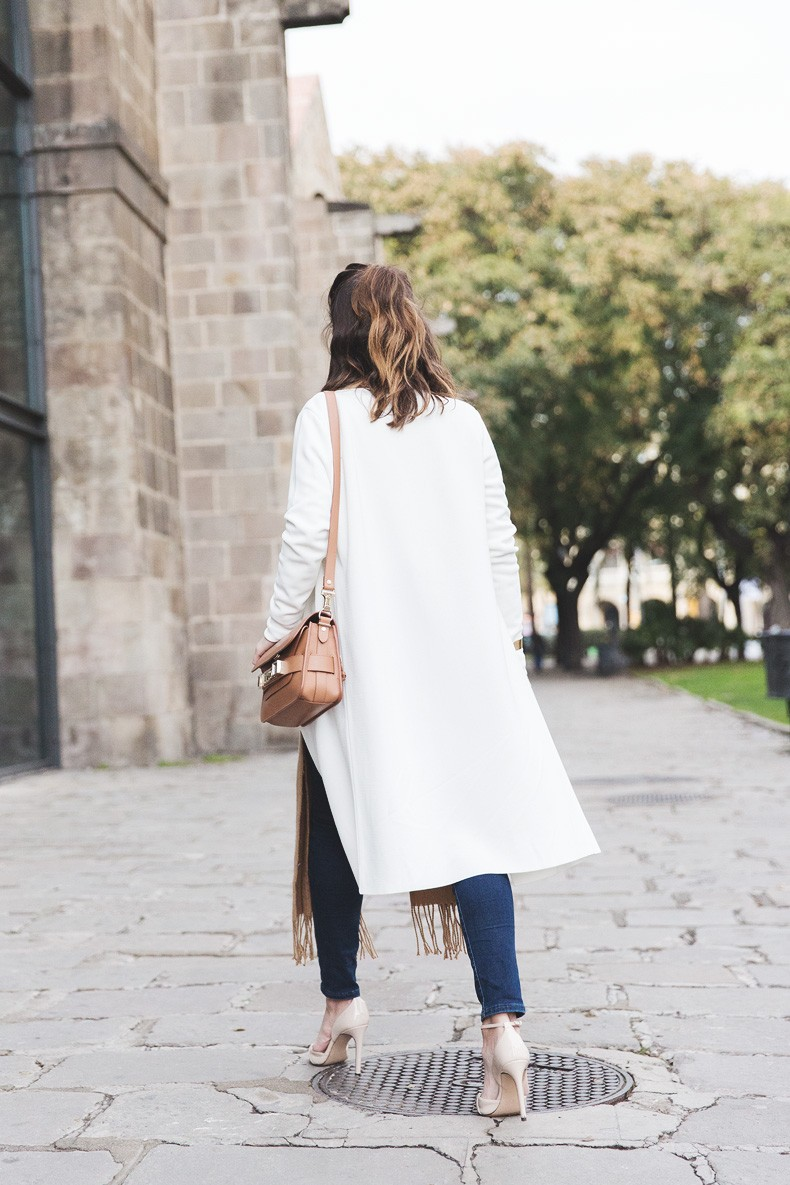 080_Fashion_Barcelona-White_Coat-Proenza_Schouler_Bag-Denim-Street_Style-Outfit-Collage_Vintage-15