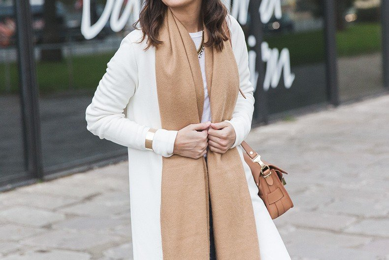 080_Fashion_Barcelona-White_Coat-Proenza_Schouler_Bag-Denim-Street_Style-Outfit-Collage_Vintage-56