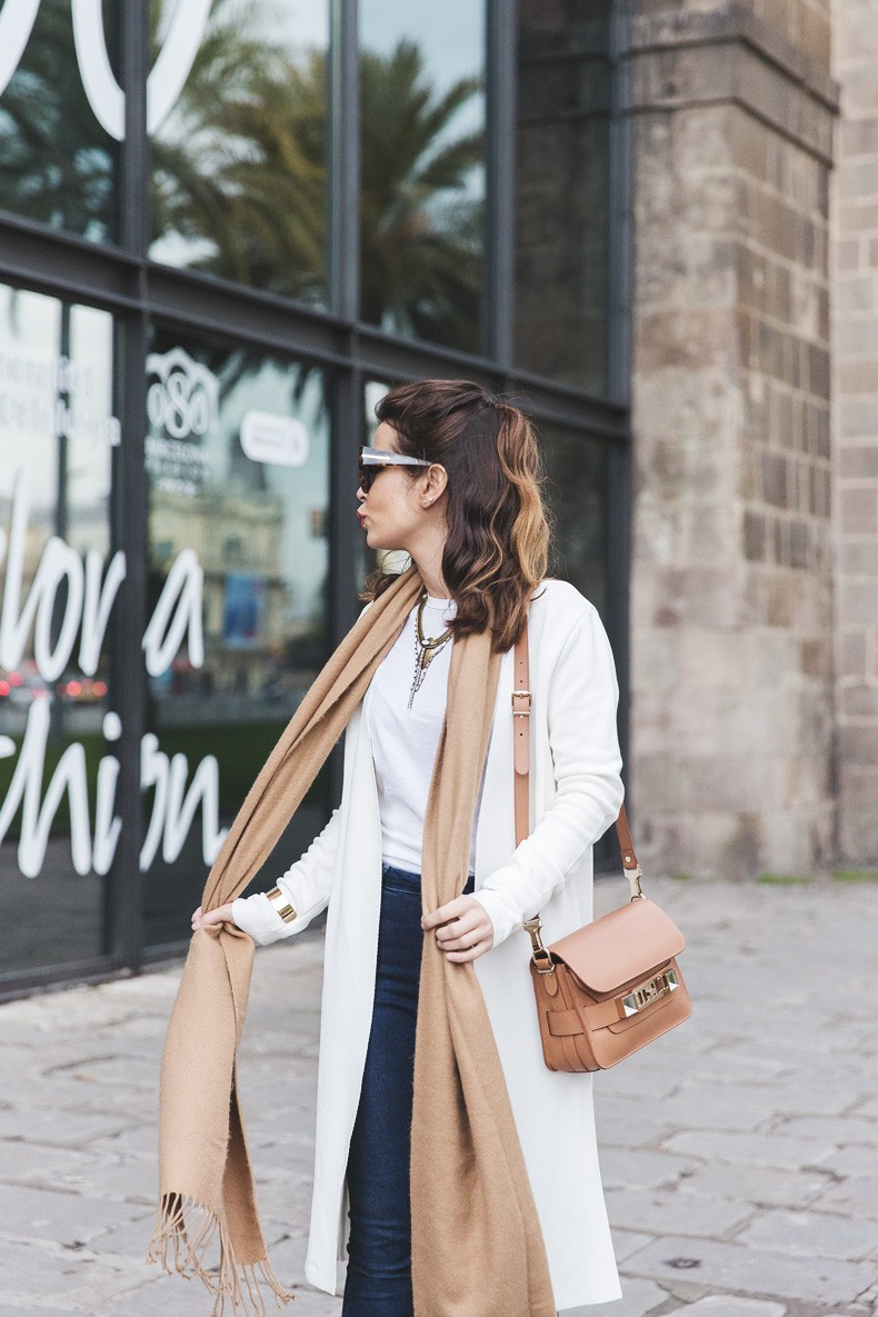 080_Fashion_Barcelona-White_Coat-Proenza_Schouler_Bag-Denim-Street_Style-Outfit-Collage_Vintage-6