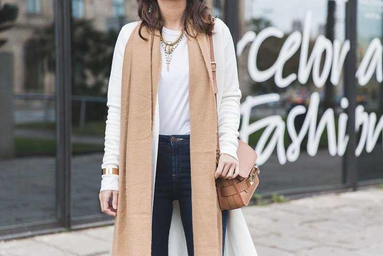080_Fashion_Barcelona-White_Coat-Proenza_Schouler_Bag-Denim-Street_Style-Outfit-Collage_Vintage-60