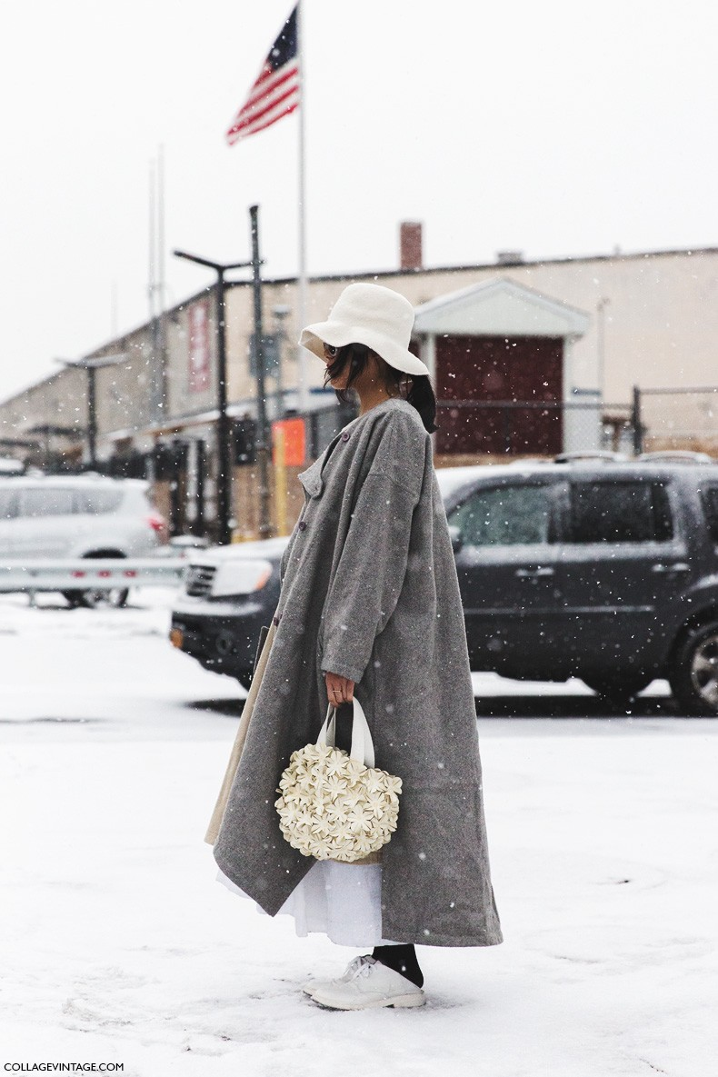 New_York_Fashion_Week-Fall_Winter_2015-Street_Style-NYFW-Grey_Coat-White_Outfit-