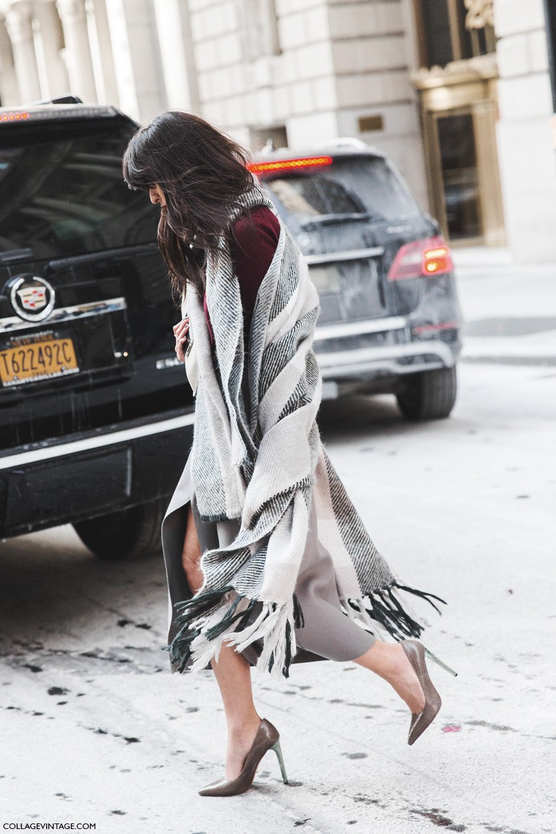 New_York_Fashion_Week-Fall_Winter_2015-Street_Style-NYFW-Grey_Skirt-Cape-Turtle_Neck-1