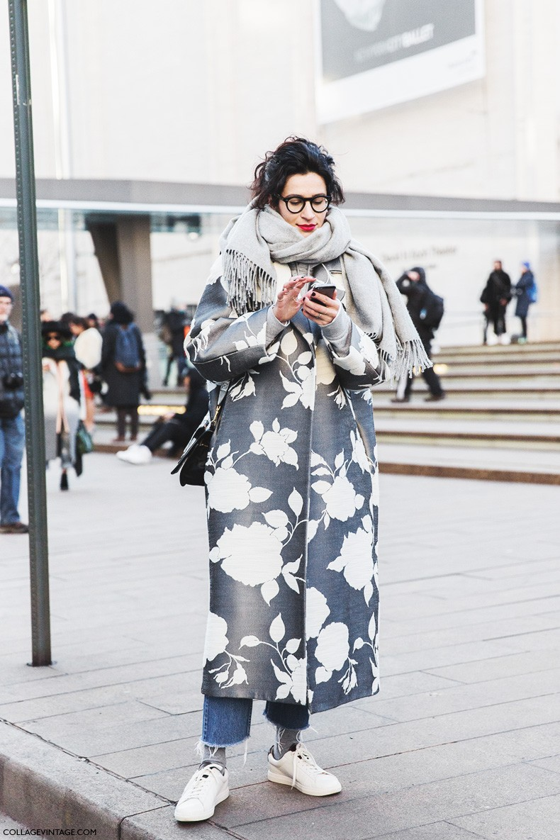 New_York_Fashion_Week-Fall_Winter_2015-Street_Style-NYFW-Printed_Coat-Saint_Laurent_Sneakers-Grey_Scarf-