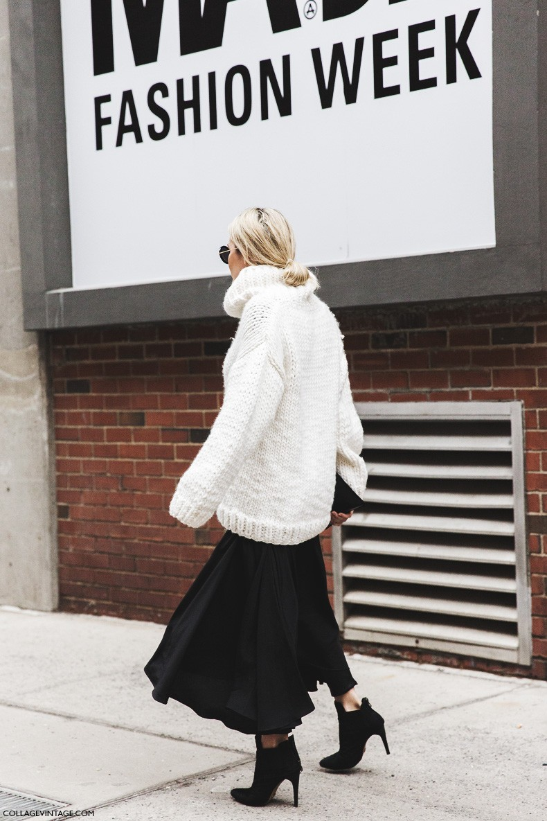 New_York_Fashion_Week-Fall_Winter_2015-Street_Style-NYFW-Skirt_And_Trousers-Oversize_Sweater-Turtle_Neck-Black_And_White_Outfit-1