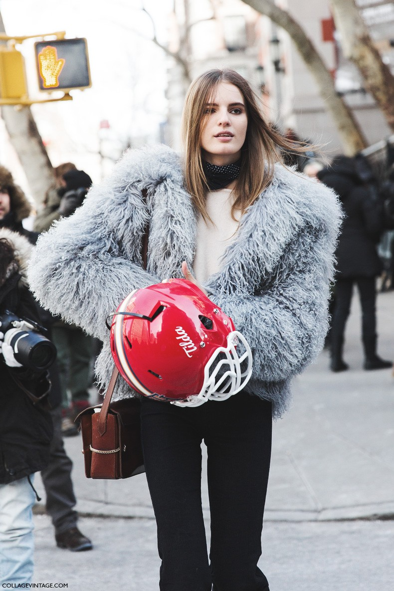 New_York_Fashion_Week-Fall_Winter_2015-Street_Style-NYFW-Tilda_Lindstam-Tommy_hilfiger_30_Aniversay-Fur_Coat-Jeans-1