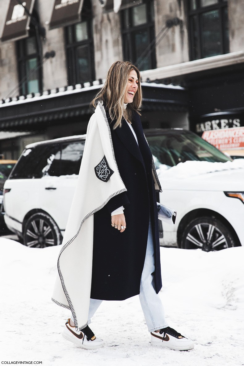 New_York_Fashion_Week-Fall_Winter_2015-Street_Style-NYFW-loewe_Cape-Nike-Sneakers-